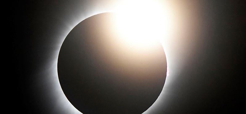 Gyönyörű és szuperközeli 4K videó készült a teljes napfogyatkozásról