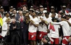 Lövöldözés és pánik tört ki a Toronto Raptors bajnoki ünneplésén