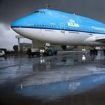 Kiírta a KLM, melyik ülésben nem hal meg az utas, ha lezuhan a gép – aztán inkább bocsánatot kértek