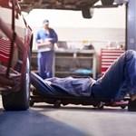 Csodálkozunk, hogy elmennek az autószerelők? Mutatjuk a nyugati béreiket!