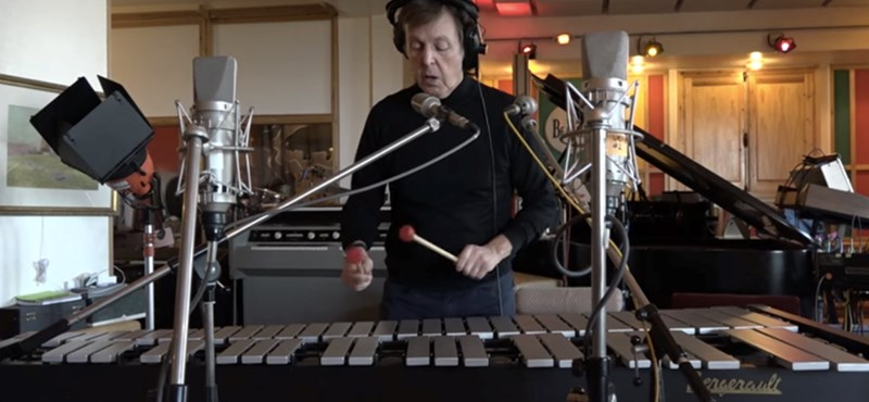Paul McCartney megzenésítette a Skype hangulatjeleit – videó