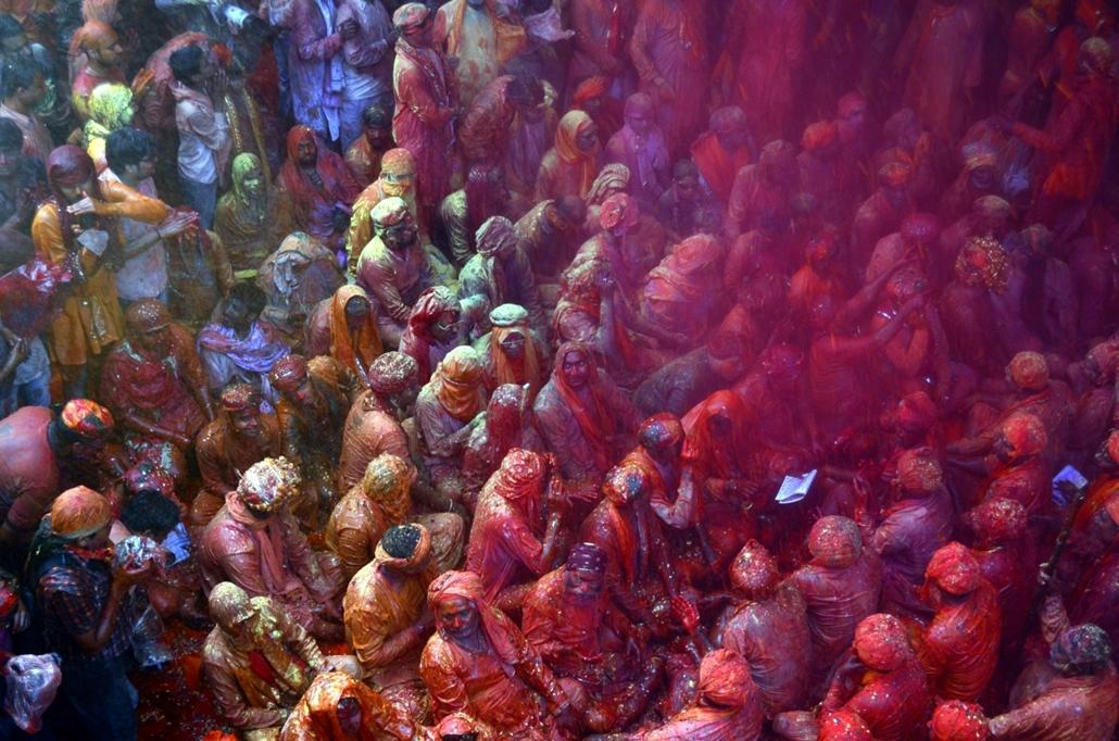 hét képei - afp.16.03.16. - India: Holi fesztivál