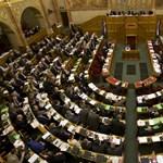 Orbán: nincs vesztegetni való időnk! - percről percre a Parlamentből
