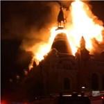 Brutális tűz volt Nagyvárad belvárosában, kiégett a görögkatolikus püspöki palota - videók