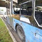 Rosszul lett az egyik metrópótló sofőrje, összeütközött egy másik busszal