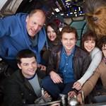 Csubakka is ott van a Han Solo-film első hivatalos fotóján