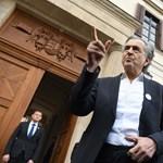 Orbán Bernard-Henri Lévynek: Jó egészséget kívánok Soros Györgynek