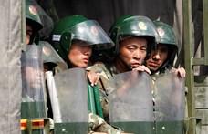 Kína nekiállt egy egész népcsoport átnevelésének