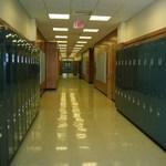Kórházba került egy diák, amiért iskolájában napokig nem merte használni a mosdót