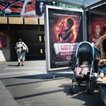 Megoszlanak a vélemények a kormány abortuszellenes kampányáról