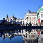 Zavartalan ünnepi napot zárt a hétfő esti budapesti tűzijáték