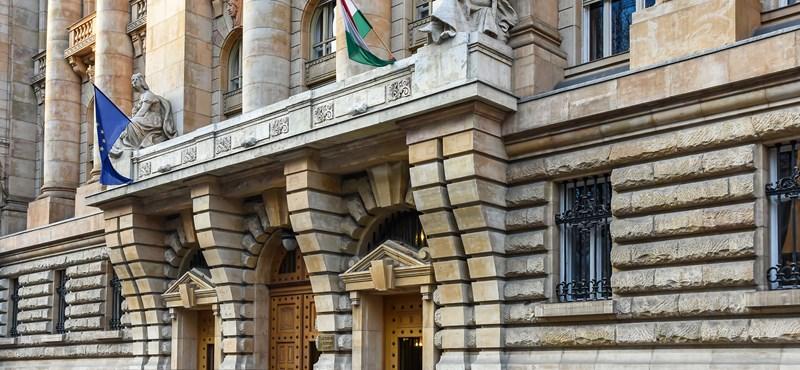 Az MNB elvárja a bankok, biztosítók folyamatos nyitvatartását