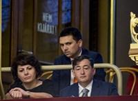 """Elég nagyban bizniszel a korábban """"nincstelen"""" exállamtitkár"""