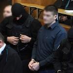 Romagyilkosságok: az ügyészség szerint minden fegyver szerepel a vádiratban
