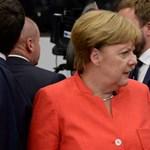 Merkel októberben előveszi Orbánt a kvótaper miatt