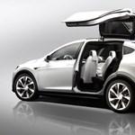 Most már tényleg itt az új Tesla modell