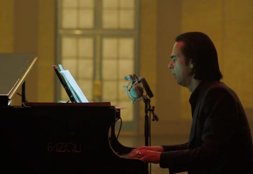 Nick Cave többet tett, mint hogy megírta a karantén hivatalos dalát