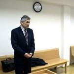 Minden vádpont alól felmentették az ajkai polgármestert