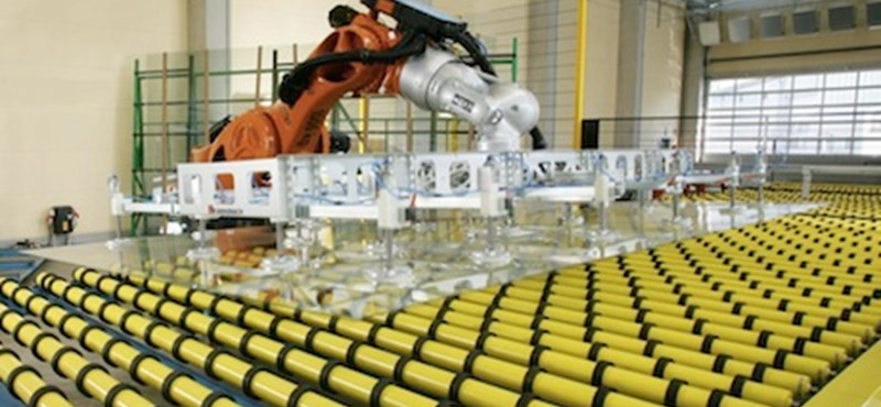 KUKA robotok az élvonalban, saját szerverpark nélkül