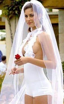 Shake  A világ legszörnyűbb menyasszonyi ruhái - fotó 0817780883