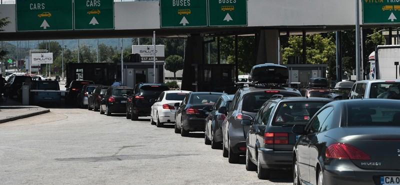 Hamarabb indított buszok, lemondott utak - improvizálnak az irodák a szigorítások miatt