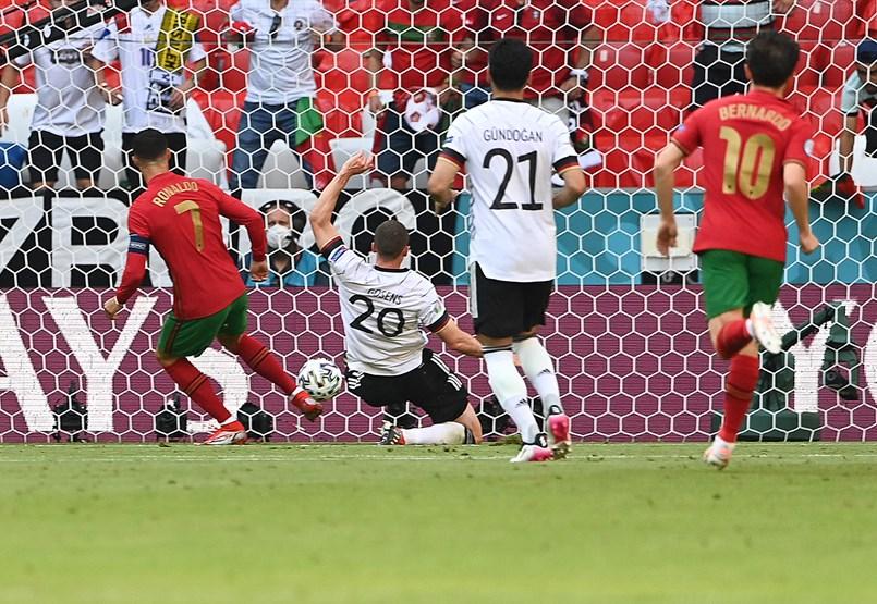 Németország a címvédő ellen javítana, de egyelőre Ronaldo talált be a kapuba – a labdarúgó Eb kilencedik napja percről percre