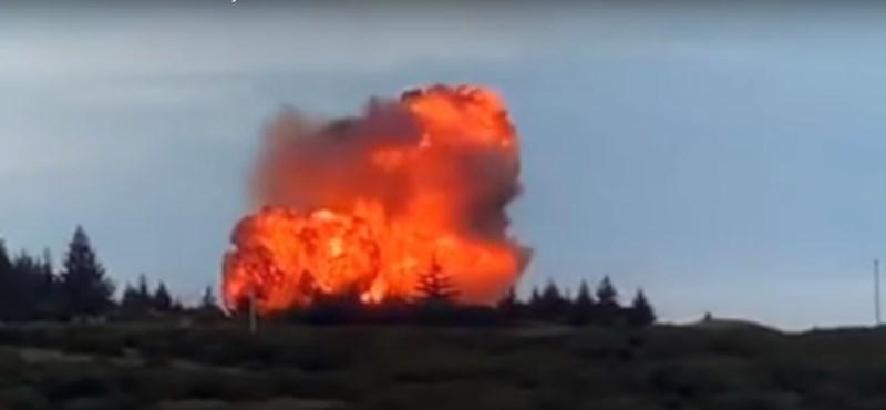 Egy nap alatt két rakétateszt is befuccsolt (videók)