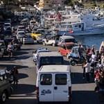 Az új olasz kormány már engedi, hogy kikössenek a menekülteket szállító hajók