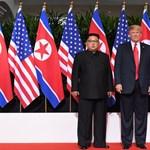 A limuzinjával vágott fel Kim Dzsong Un előtt az amerikai elnök