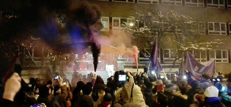 Kutatás: többség a tüntetők mellett