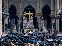 Az erős szél is összedöntheti a Notre-Dame-ot