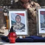 Hazahozták az Afganisztánban meghalt magyar katonák földi maradványait