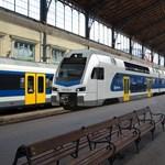 MÁV: Egyelőre nem fognak semmit átépíteni az emeletes vonatok miatt