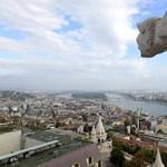 Fotók: 120 éve nem látott helyet nyitottak meg a Mátyás-templomban