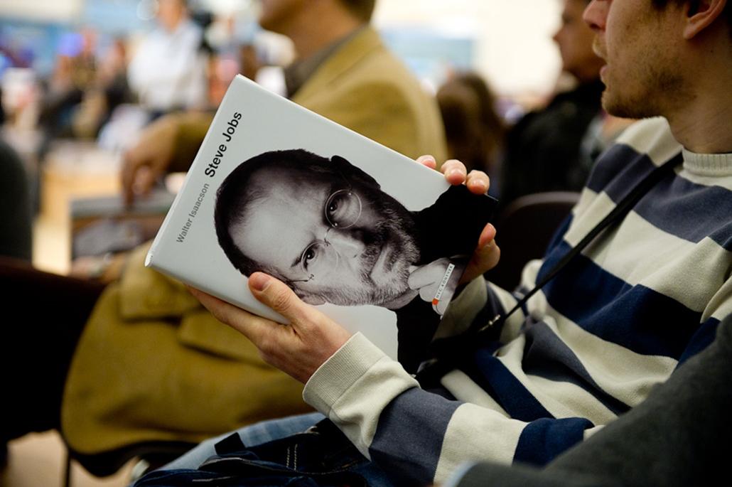 Steve Jobs önéletrjazi könyvét adta ki magyarul a hvg