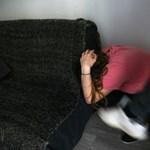 Családi erőszak karanténban: veszélyes emelkedésre figyelmeztetnek a szakértők