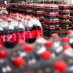 100 ezer palack ingyenüdítőt oszt szét a Coca-Cola az újranyitó éttermek vendégeinek