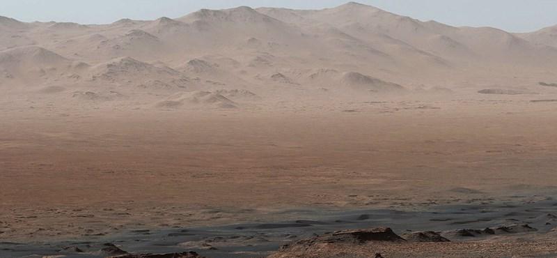 Lenyűgöző panorámafotót készített a Curiosity a Mars felszínén