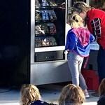 """Zseniális ötlet: automatából """"vásárolhatnak"""" könyveket a floridai általános iskolások"""