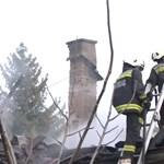 Lángoló házukból mentette ki négy gyerekét egy anya