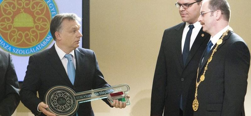 Nem a CEU-nak vannak privilégiumai, hanem az Orbán-egyetemnek