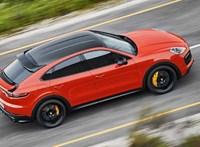 Videó: így gyorsul autópályán az új kupé Porsche Cayenne