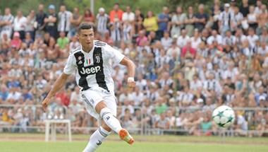 Így énekelte be magát Ronaldo a Juventusba - videó