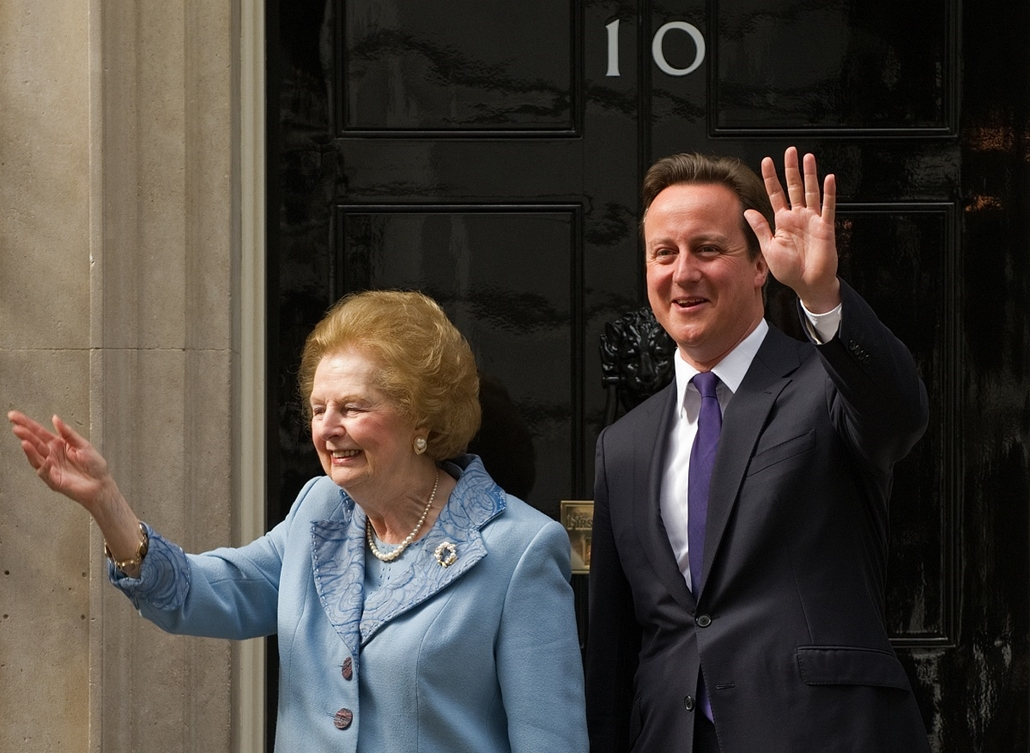 London, 2010. június 8. - Margaret Thatcher bárónő és David Cameron találkozása a Downing Street 10 alatt