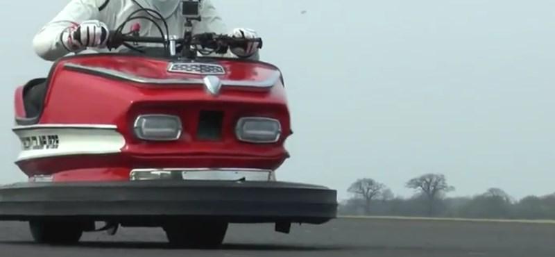 160 km/h-val repesztett ez a dodzsem, új világrekord született