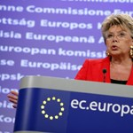 Reding Népszava-interjúját hozta fel az EP-ben egy fideszes képviselő