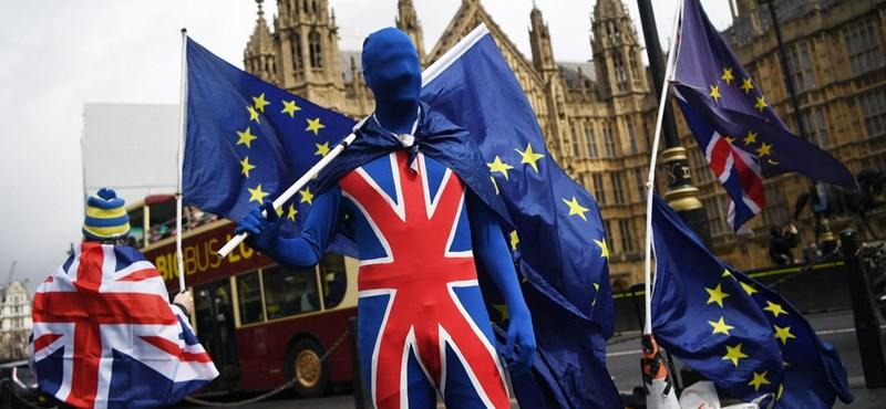 Brexit: ingyen regisztálhatnak a kint élő magyarok letelepedési engedélyért
