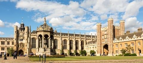 Bőrszíne miatt tartóztattak fel egy hallgatót a Cambridge-i Egyetem portáján