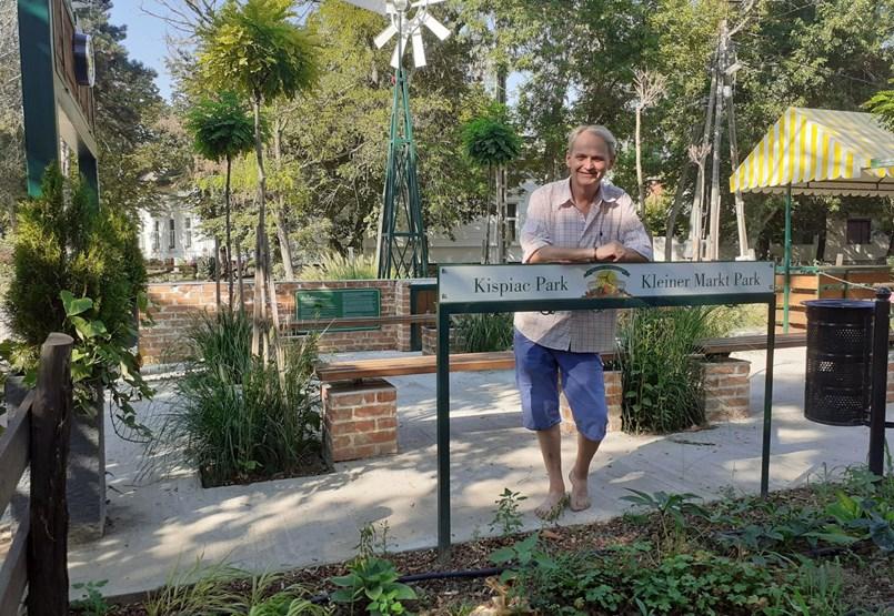 A mezítlábas polgármester: Csináljunk egy helyet, ahol lehet szabadon levegőt venni