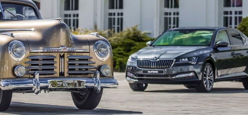 Škoda Superb beépített időgéppel: ilyen egy patika állapotú 71 éves példány